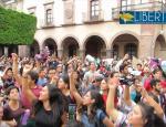 Repudian al gobernador Pancho Domínguez que prometió tarifa gratuita a grupos vulnerables y la subió de 4 a 9